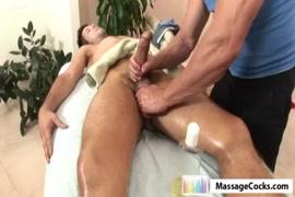 Ver videos de mujeres masturbandose con objetos grandes
