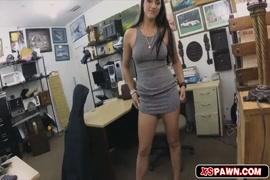 Porno jovencitas que eyaculan al cojer penes enormes