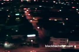 Como descargar videos de mujeres destrosadas por negros de penes enormes 3gp