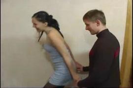Video porno de la pija mas grande aciendo yorar a una puta