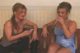 Descargar videos pornos gratis de mujer chupando a otra mujer un clitori grande